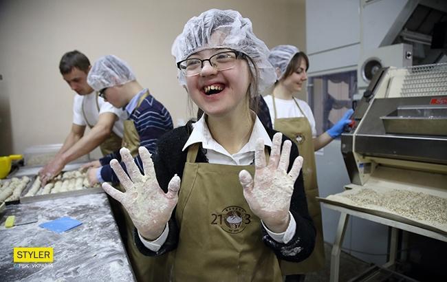 """Как в Броварах работает пекарня для """"солнечных людей"""" (фото: РБК-Украина, Виталий Носач)"""