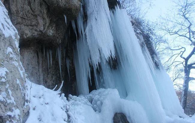 Фото: Джуринський водоспад (facebook.com/Впізнай-Світ)