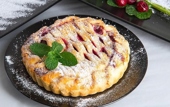 Пиріг з черешнею: топ 5 кращих рецептів