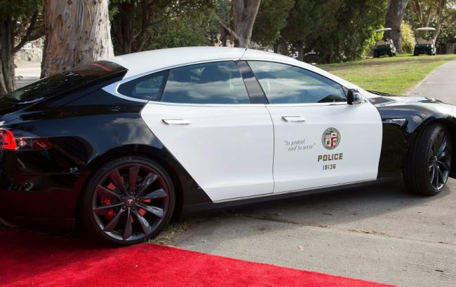 Фото: Tesla Model S (uincar.ru)
