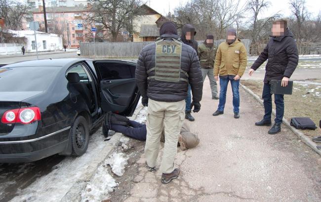 Фото: СБУ затримала торговців зброєю (facebook.com/SecurSerUkraine)