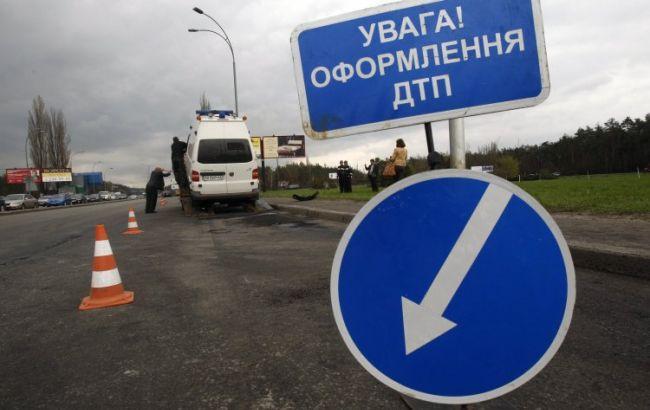 В Житомирской области перевернулся микроавтобус, пострадали пассажиры