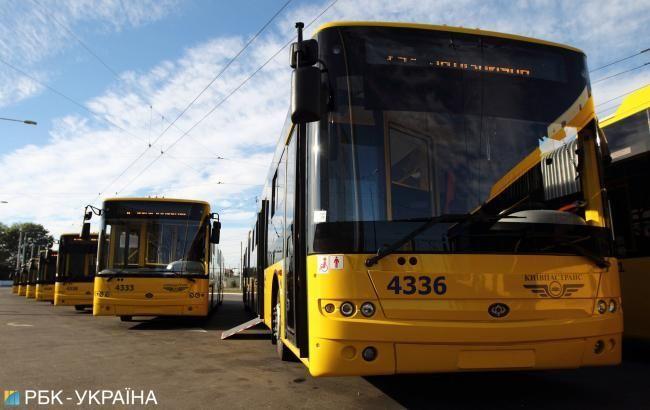 У Києві заблоковано рух тролейбусів