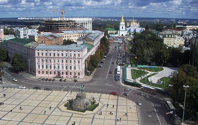 В Киеве 1 июля на Софийской площади будет изменено движение общественного транспорта