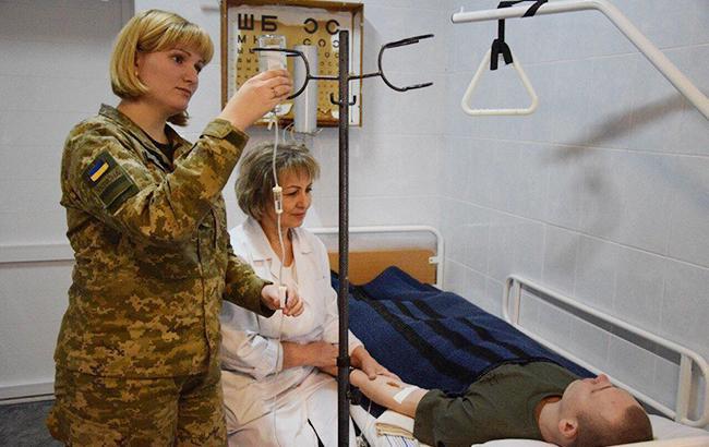 У Дніпрі врятували життя молодого лейтенанта, пораненого на Донбасі
