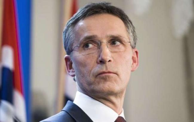 Генсек НАТО заявил о концентрации войск по обе стороны границы Украины