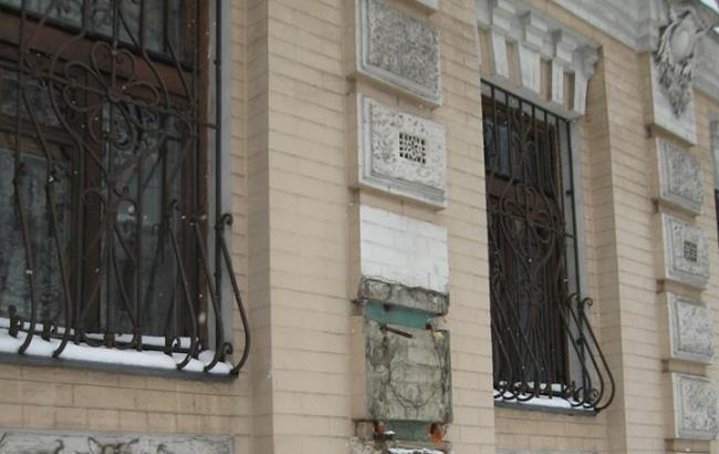 В Киеве украли уникальный бюст Леси Украинки (фото)