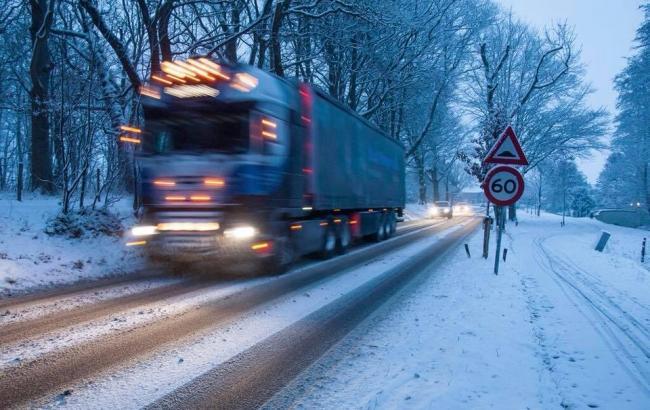 """Несмотря на непогоду в Украине, ситуация на дорогах под контролем, - """"Укравтодор"""""""