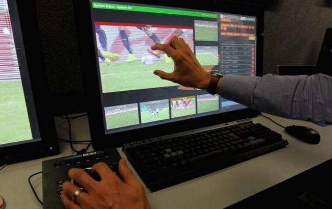 Фото: система видеоповторов (fifa.com)