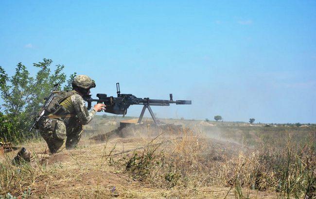 На Донбасі бойовики 21 раз обстріляли позиції ООС