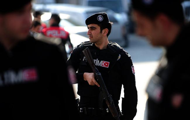 У Стамбулі обстріляли будівлю Управління безпеки