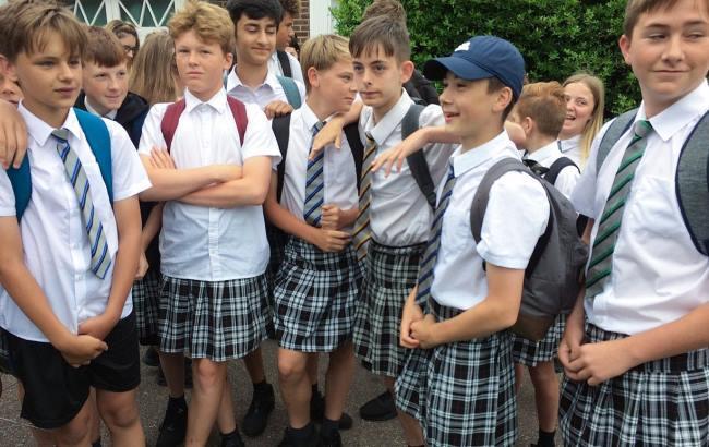 Фото: Школярі в Британії (BBC/Apex)