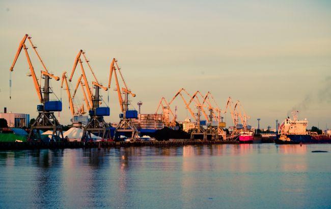 Фото: Черноморский морской порт
