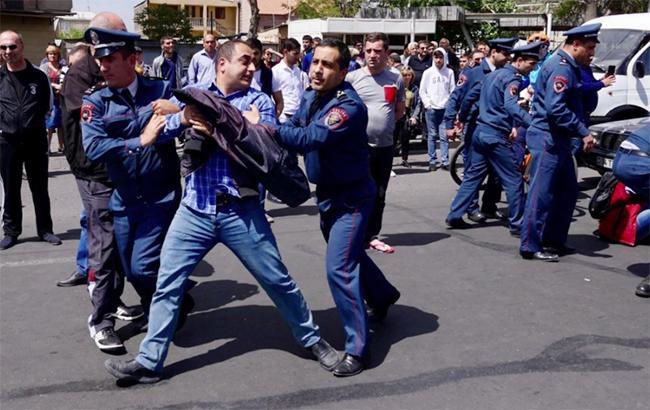 Фото: протесты в Ереване (Anna_Lodz twitter)