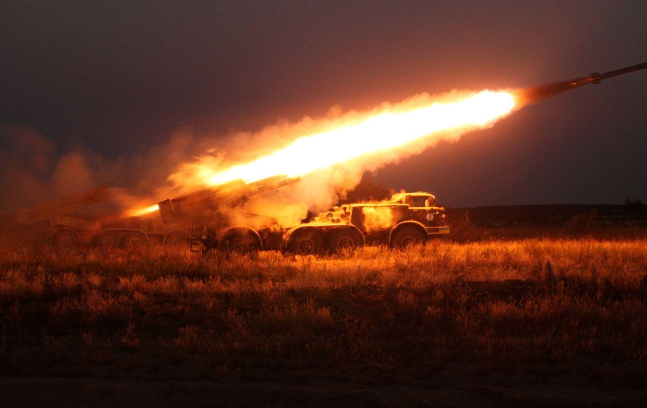 На границе Азербайджана и Армении вспыхнули боевые действия, есть погибшие
