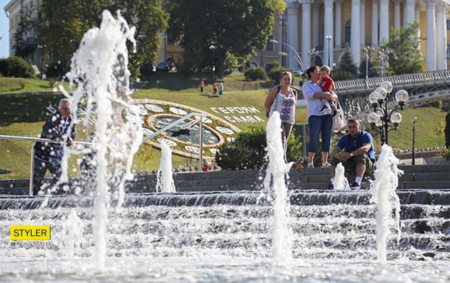 """""""Висока напруга і слизький граніт"""": київська влада заборонила купатися у фонтанах"""