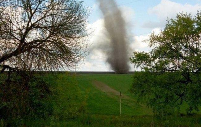 Фото: у Тернопільській області спостерігався смерч