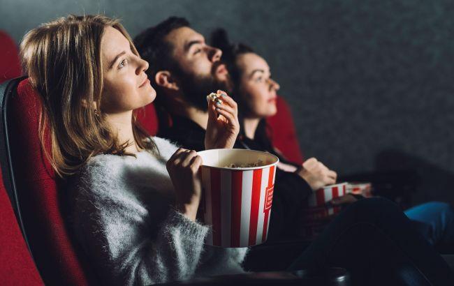 Вільні місця та масковий режим: як працюють кінотеатри під час карантину