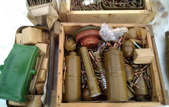 ВКиевской области изъяла ввезенное иззоны АТО оружие