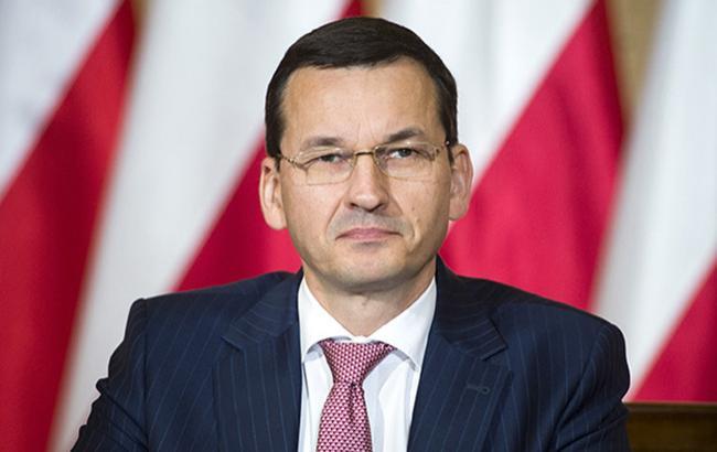"""Польща закликає США поширити санкції проти Росії на """"Північний потік-2"""""""