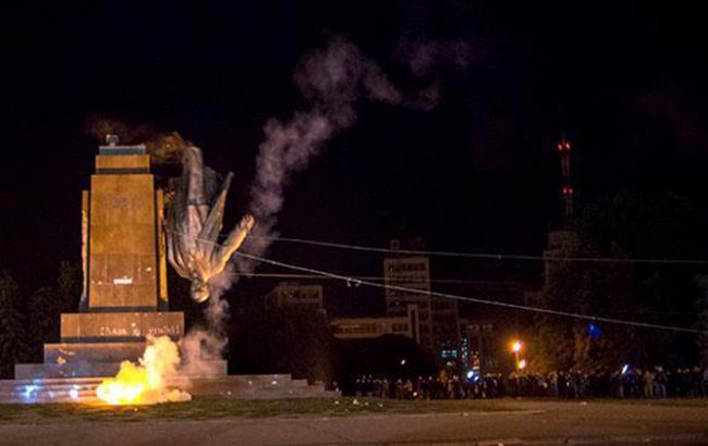 Суд переніс засідання щодо знесення пам'ятника Леніну у Харкові на 7 квітня