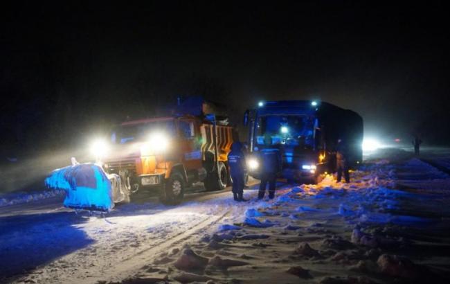 ГСЧС рассказала о ситуации на дорогах Украины