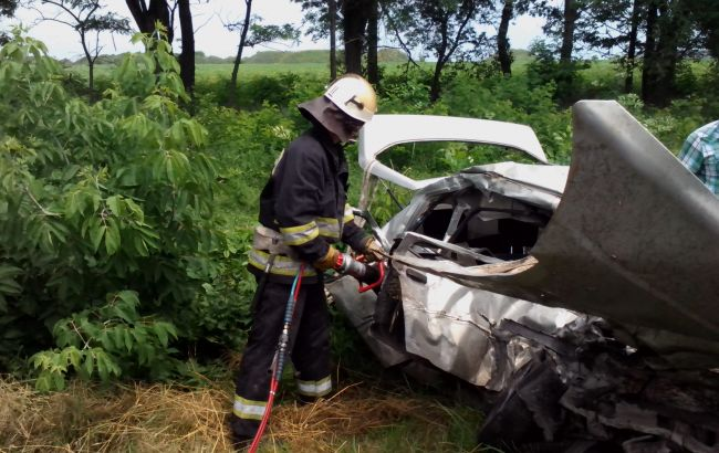 Автомобиль СБУ в Кировоградской области столкнулся с легковушкой: погибла семья из трех человек - Цензор.НЕТ 5775
