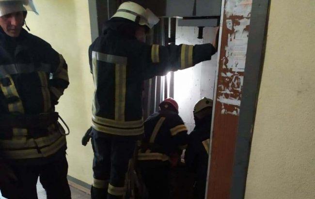 В Киеве в многоэтажке оборвался лифт: погиб мужчина