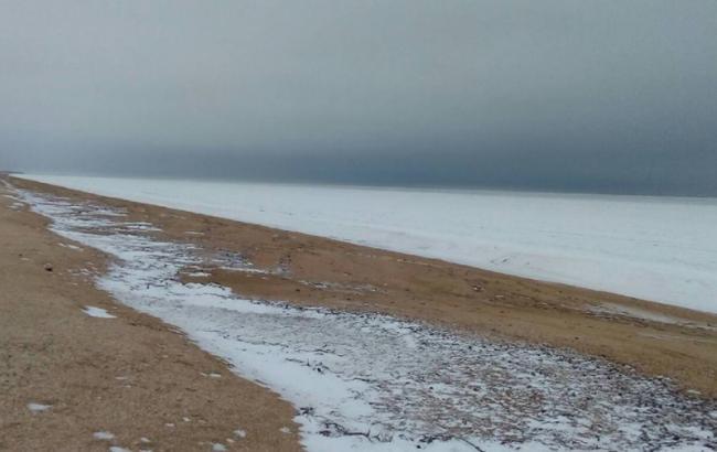 У Херсонській області замерзло Азовське море (вражаючі фото)