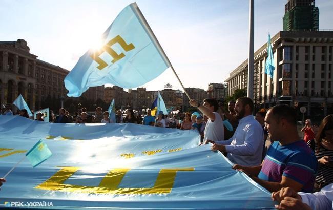 День кримськотатарського прапору: як пройшла щорічна хода (фоторепортаж)