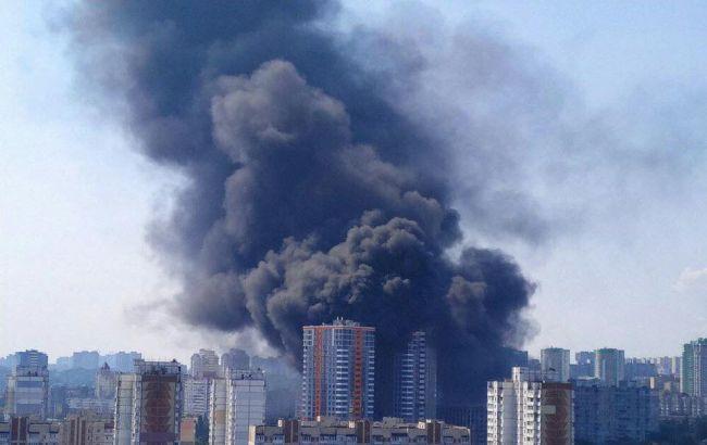 В Киеве произошел масштабный пожар на стройке