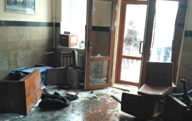 В Жмеринке неизвестные штурмовали горсовет, задержаны 11 человек