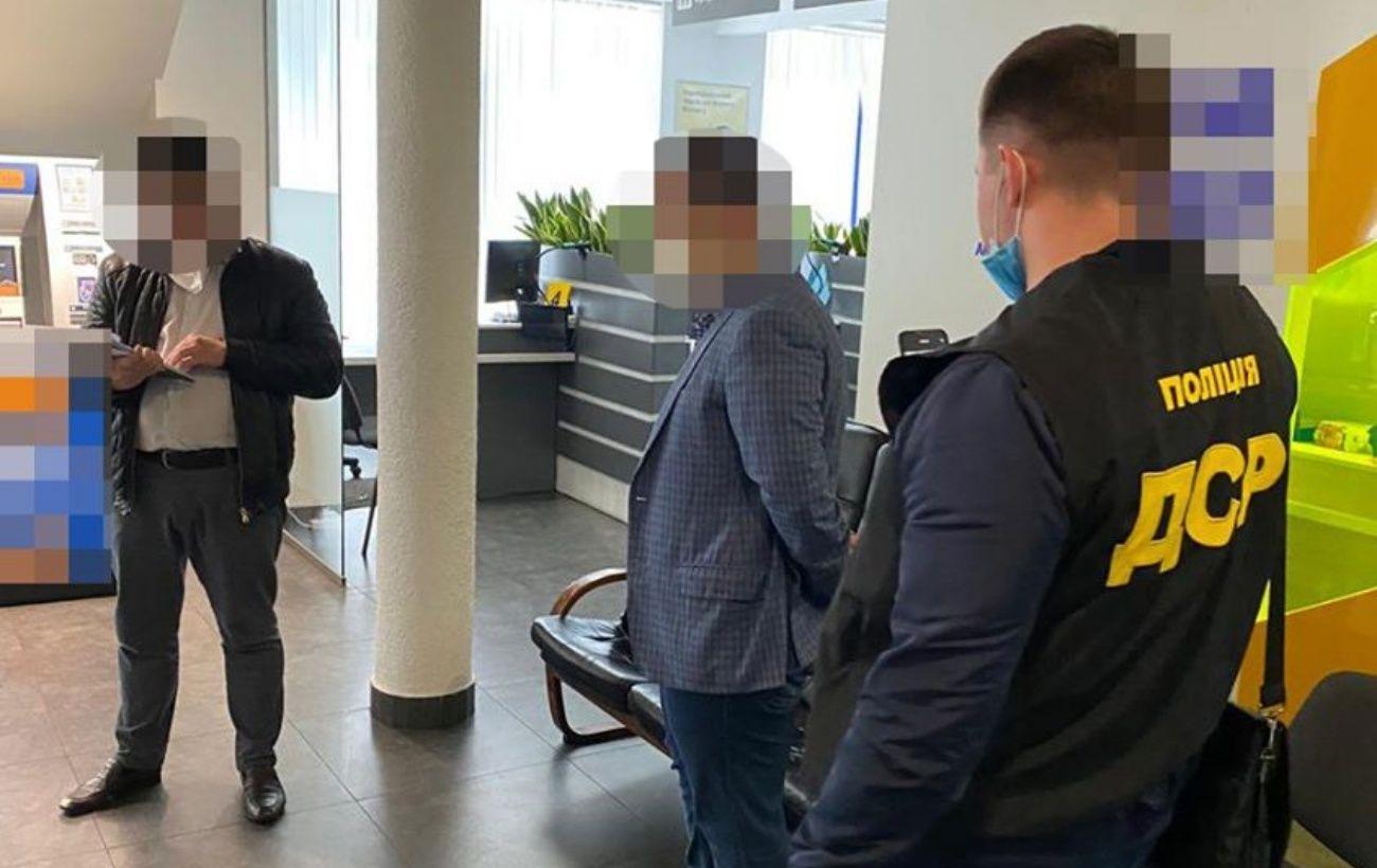 """Обещал """"крышевать"""" банк: прокурора разоблачили на получении 100 тысяч долларов"""