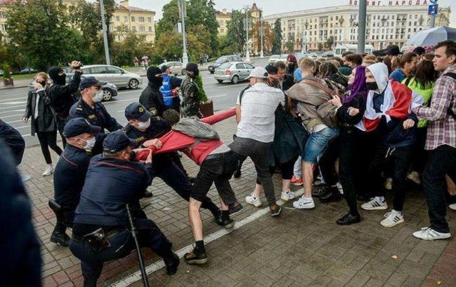 Розгін студентів і затримання протестувальників: що відбувається в Білорусі