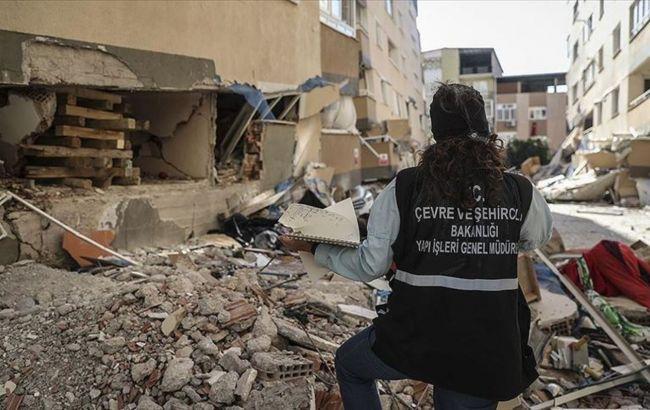 Землетрясение в Измире: из-под обломков спасли 70-летнего мужчину