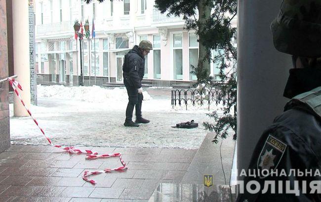 В Виннице мужчина угрожал взорвать взрывчатку в магазине сладостей
