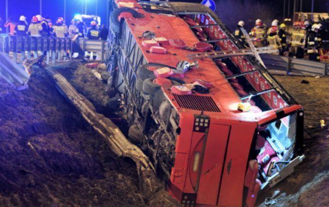 У Польщі допитали другого водія українського автобусу, який потрапив в ДТП