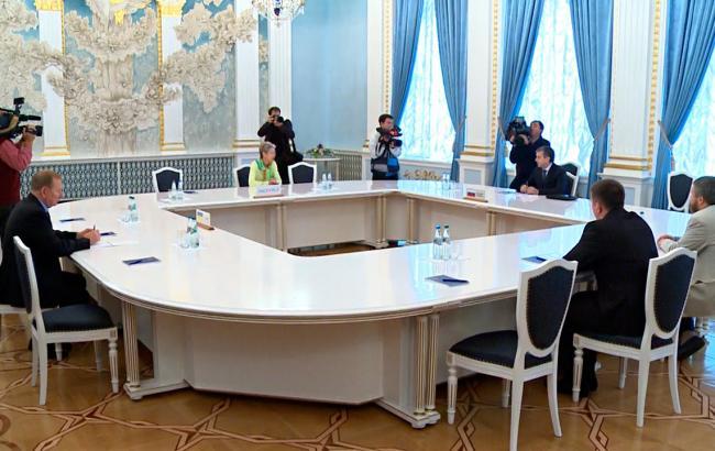 Фото: Україна підніме питання звільнення заручників на наступному засіданні контактної групи