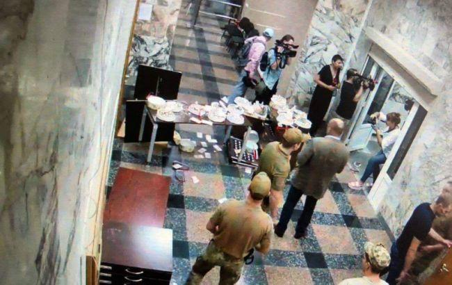 У НАБУ прокоментували напад невідомих на їхню будівлю