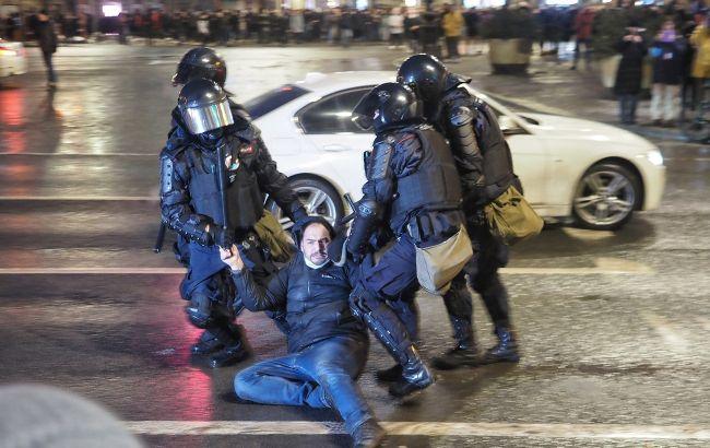 МИД Украины осудил задержания протестующих в России и призвал к давлению на Кремль