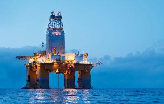 Ціна нафти Brent вперше за місяць піднялася вище 54 доларів за барель