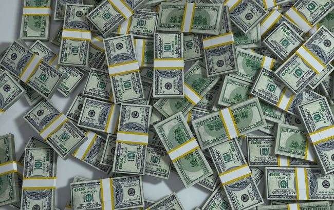Курс доллара вернулся к падению на межбанке