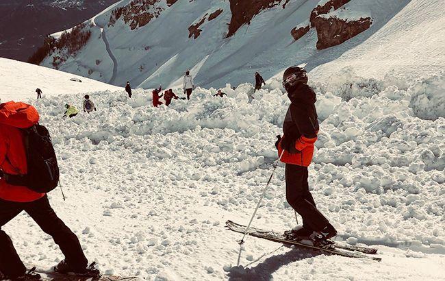 На гірськолижному курорті в Швейцарії зійшла лавина