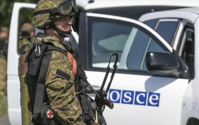 Конвой ОБСЄ обстріляли біля Мар'їнка Донецької області