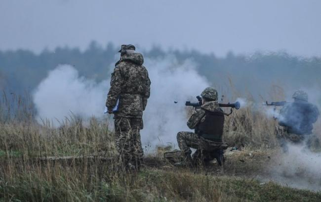 Силы АТО в районе Донецка получили приказ открывать огонь по позициям боевиков, - советник Порошенко