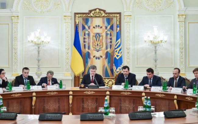 Фото: Порошенко не доволен результатами борьбы с коррупцией