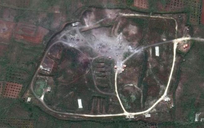 Фото: сирійський об'єкт у Хомсі після ракетного удару (edition.cnn.com)