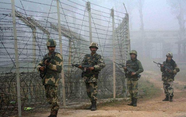 Фото: лінія розмежування в Кашмірі