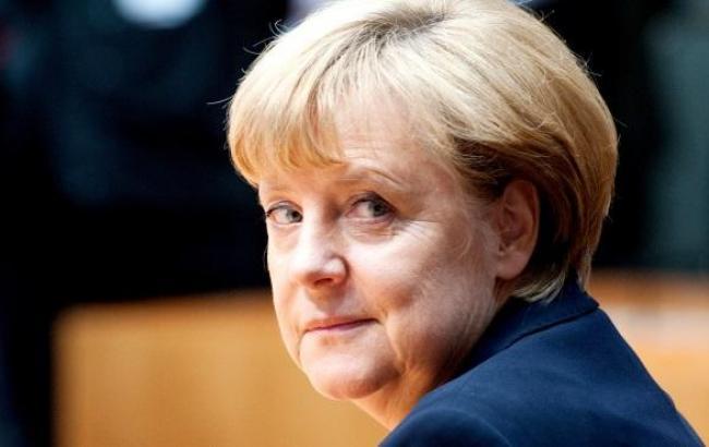 Меркель закликає Захід продовжити діалог з Путіним