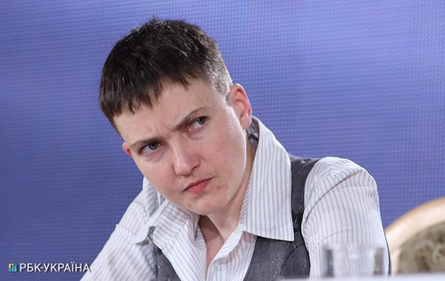 Савченко разрешили покинуть стеклянный бокс навремя слушания ее дела всуде